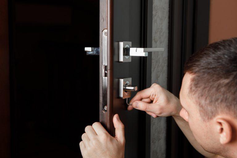 כמה עולה פורץ דלתות בחולון