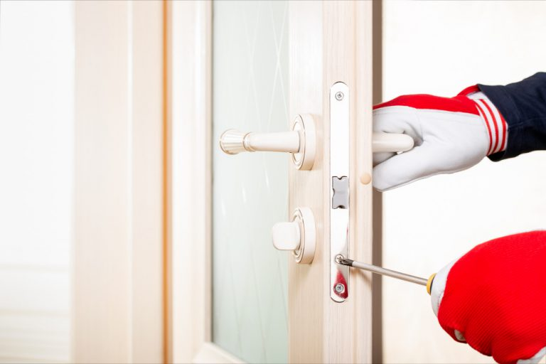 כמה עולה פורץ דלתות במודיעין
