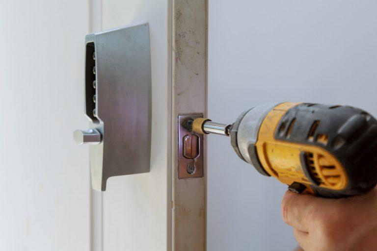 פורץ דלתות בחולון מחיר